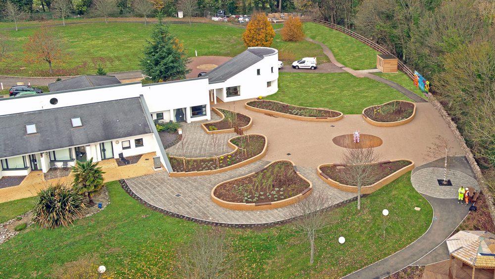 TyHhafan Memorial garden overview